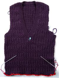 v-neck pullover:ribbing